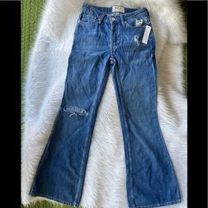 🤩FREE PEOPLE flare jeans sz 24